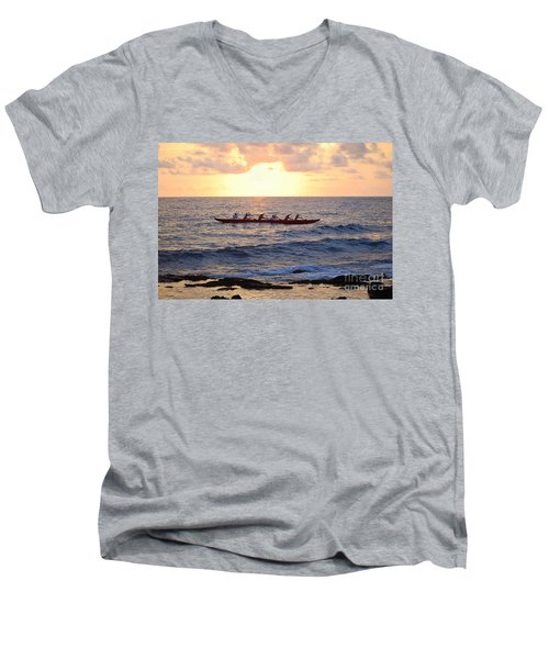 Outrigger Canoe At Sunset In Kailua Kona Men's V-Neck T-Shirt
