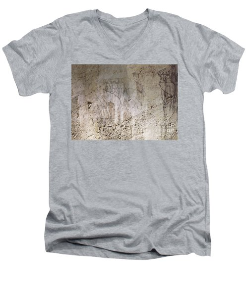 Painting West Wall Tomb Of Ramose T55 - Stock Image - Fine Art Print - Ancient Egypt Men's V-Neck T-Shirt