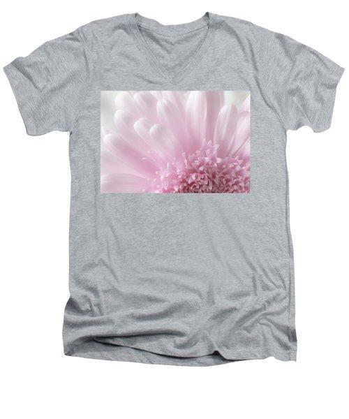 Pastel Daisy Men's V-Neck T-Shirt