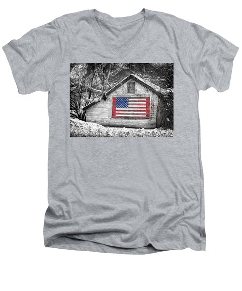 Patriotic American Shed Men's V-Neck T-Shirt