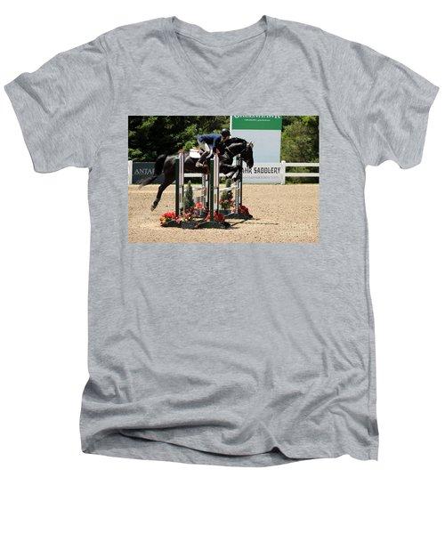 Perfect Form Jumper Men's V-Neck T-Shirt
