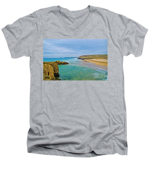 Perranporth Beach Men's V-Neck T-Shirt