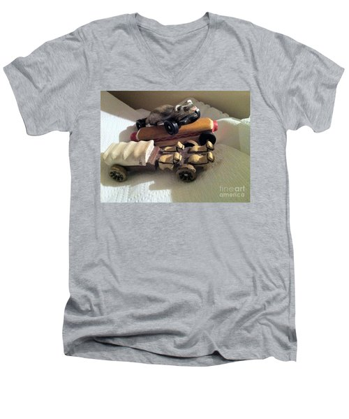 Pinewood Derby Art Men's V-Neck T-Shirt