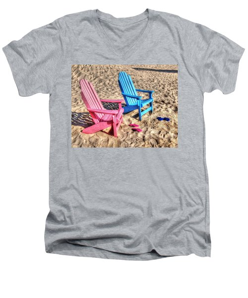 Pink And Blue Beach Chairs With Matching Flip Flops Men's V-Neck T-Shirt