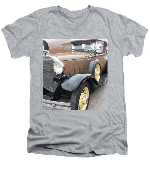 Polished Men's V-Neck T-Shirt