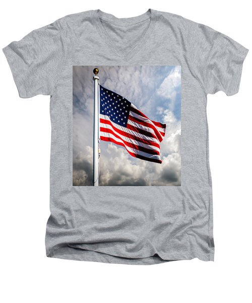 Portrait Of The United States Of America Flag Men's V-Neck T-Shirt