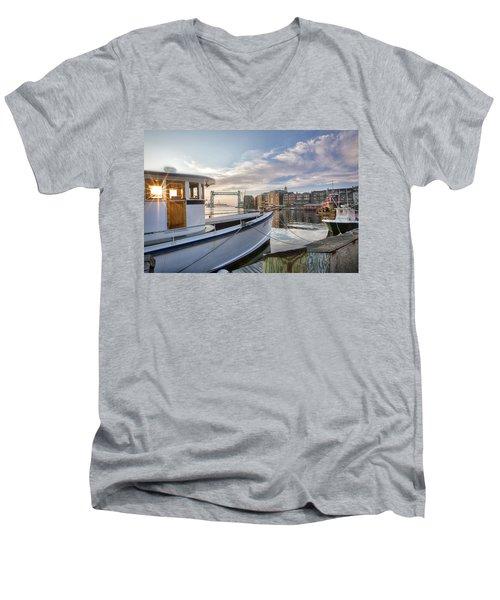 Portsmouth Harbor Sunrise Men's V-Neck T-Shirt