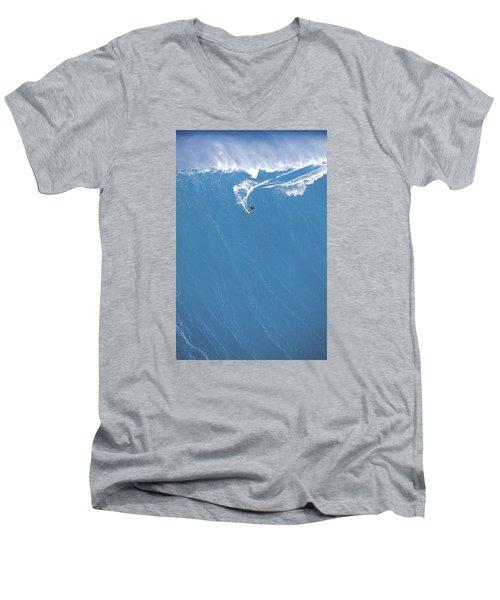 Power Turn Men's V-Neck T-Shirt