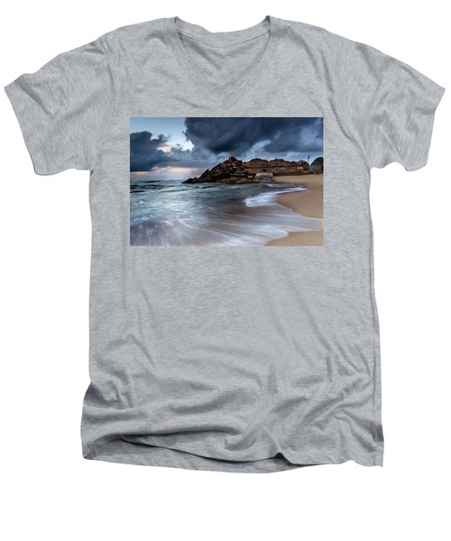 Praia Formosa Men's V-Neck T-Shirt