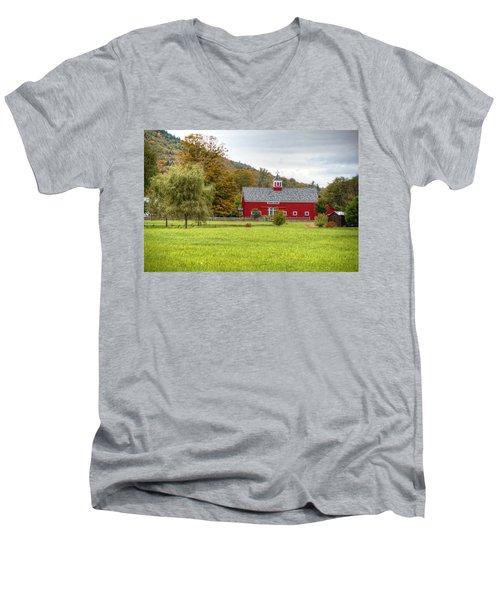 Prettiest Barn In Vermont Men's V-Neck T-Shirt