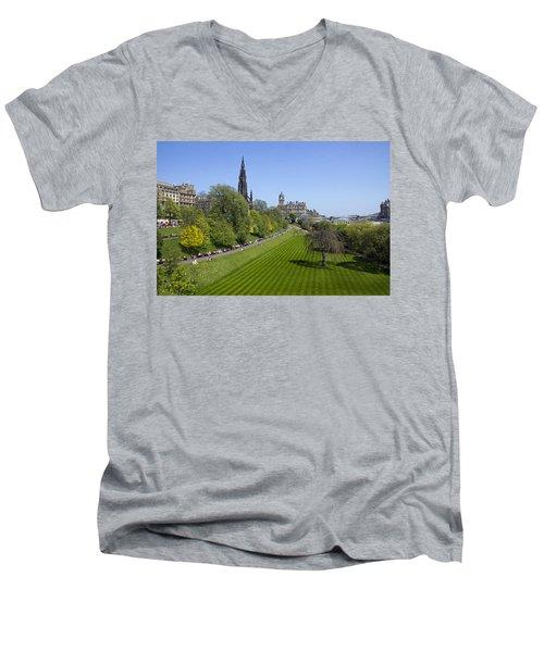 Princes Street Gardens Men's V-Neck T-Shirt