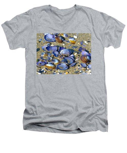 Purple Clam Shells On A Beach Men's V-Neck T-Shirt