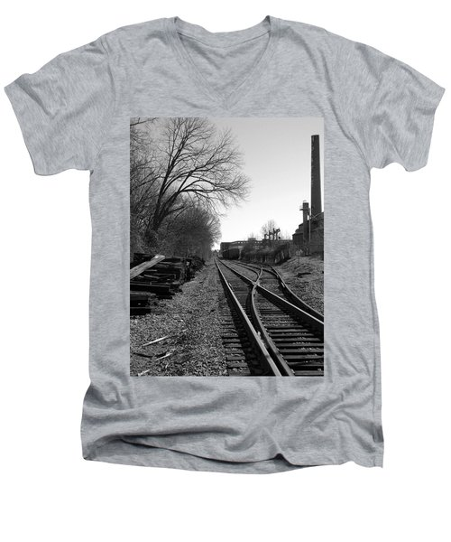 Men's V-Neck T-Shirt featuring the photograph Railroad Siding by Greg Simmons