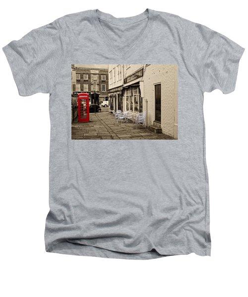 Red Telephone Box Men's V-Neck T-Shirt