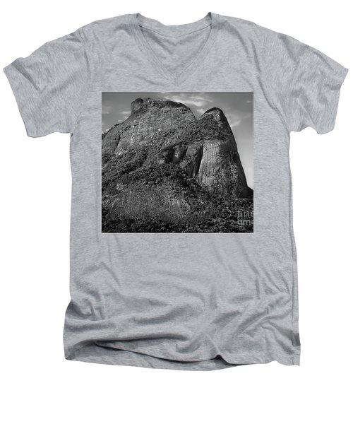 Rio De Janeiro Classic View - Sugar Loaf Men's V-Neck T-Shirt