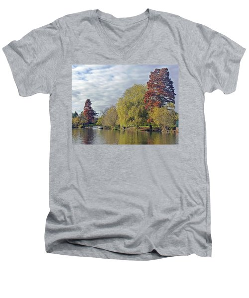 River Avon In Autumn Men's V-Neck T-Shirt