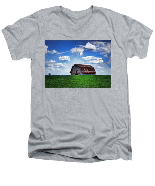 Riverbottom Barn Against The Sky Men's V-Neck T-Shirt