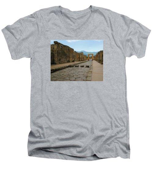 Roman Street In Pompeii Men's V-Neck T-Shirt
