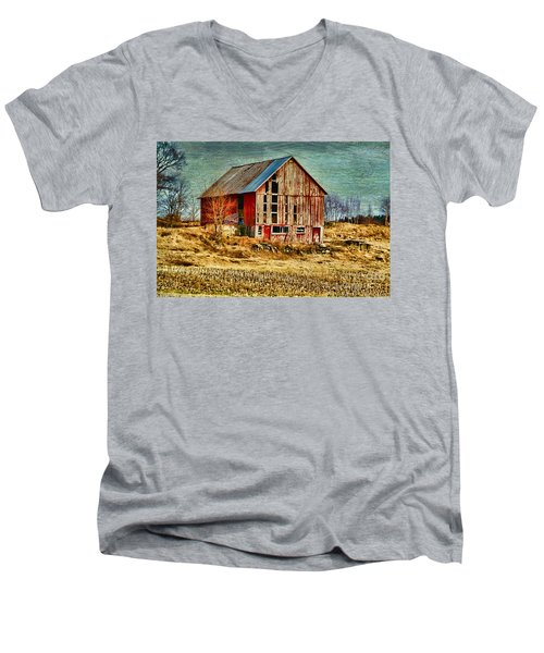 Rural Rustic Vermont Scene Men's V-Neck T-Shirt