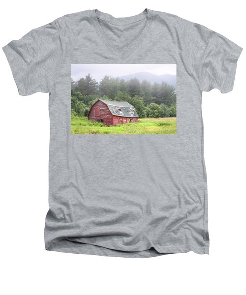 Rustic Landscape - Red Barn - Old Barn And Mountains Men's V-Neck T-Shirt