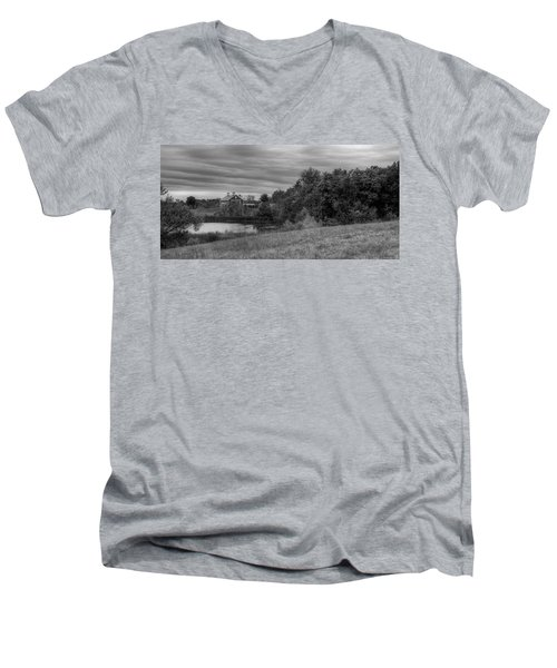 Salomon Farm In The Fall Men's V-Neck T-Shirt