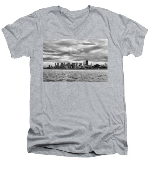 San Francisco Bay Men's V-Neck T-Shirt
