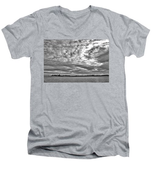 San Francisco Clouds Men's V-Neck T-Shirt