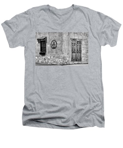 Men's V-Neck T-Shirt featuring the photograph Santa Fe New Mexico Street Corner by Ron White