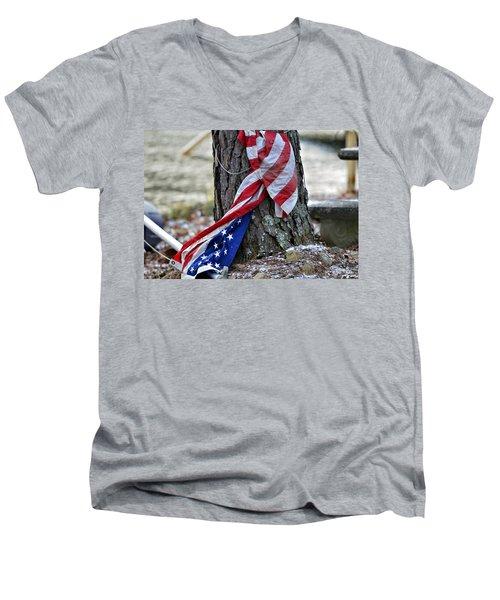 Save The Flag Men's V-Neck T-Shirt