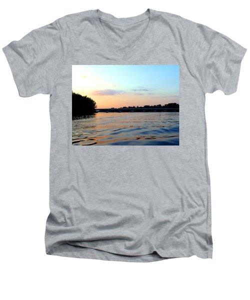 Scenic Minnesota 3 Men's V-Neck T-Shirt