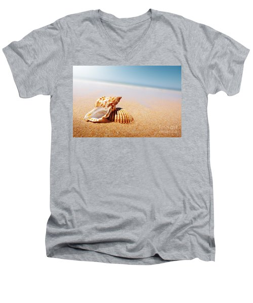 Seashell And Conch Men's V-Neck T-Shirt