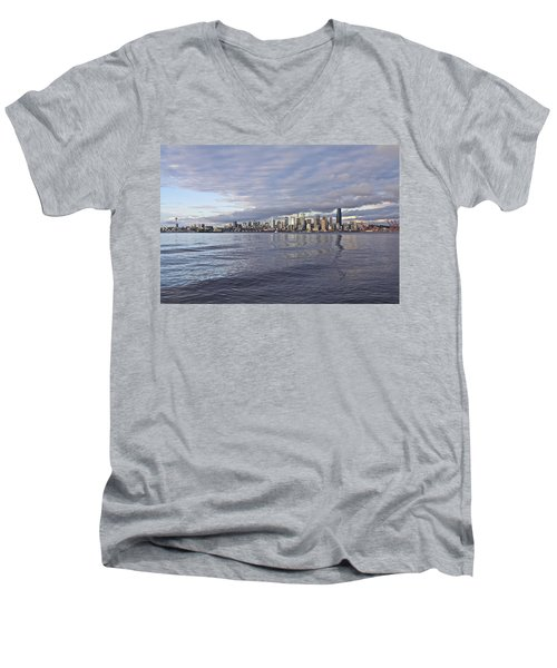 Seattle Skyline Cityscape Men's V-Neck T-Shirt