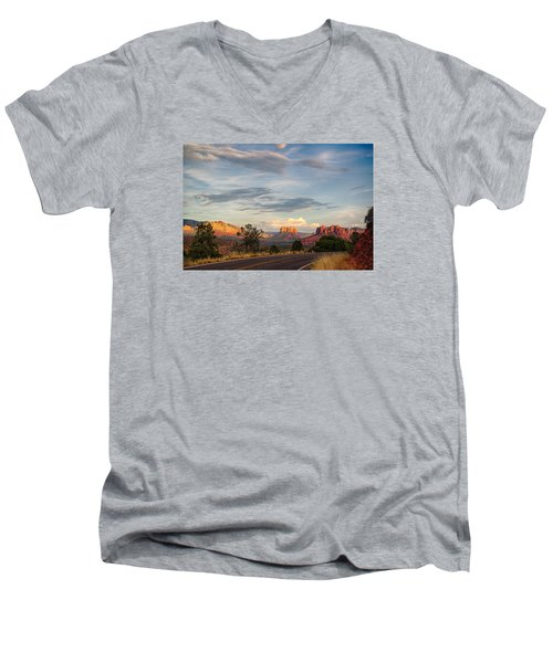 Sedona Arizona Allure Of The Red Rocks - American Desert Southwest Men's V-Neck T-Shirt