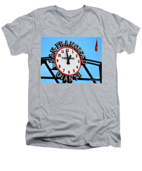 San Francisco Giants Baseball Time Sign Men's V-Neck T-Shirt
