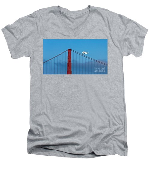 Shuttle Endeavour At The Golden Gate Men's V-Neck T-Shirt