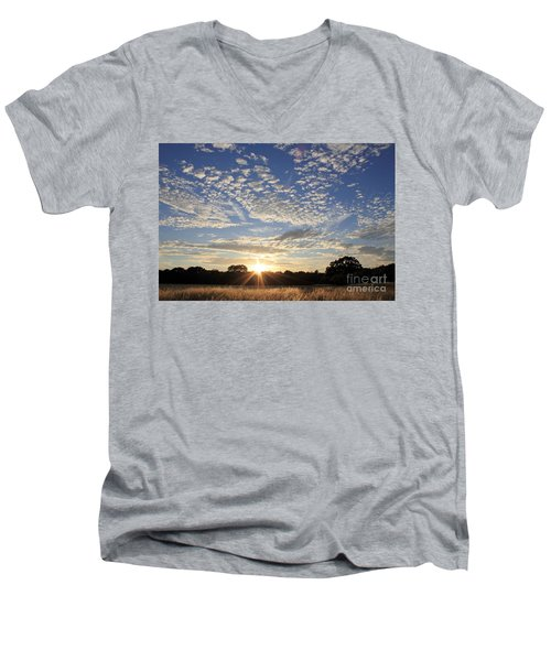 Spectacular Sunset England Men's V-Neck T-Shirt