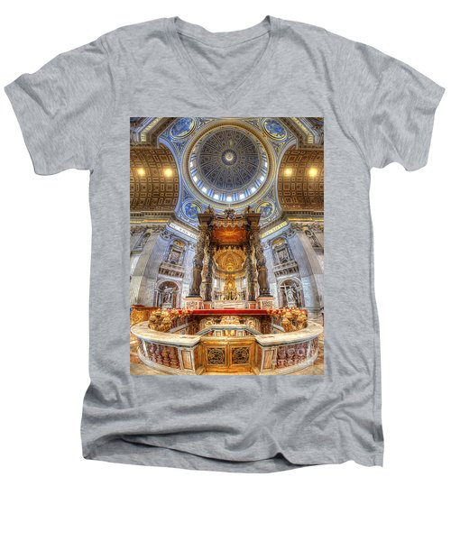 St Peter's Basilica Men's V-Neck T-Shirt
