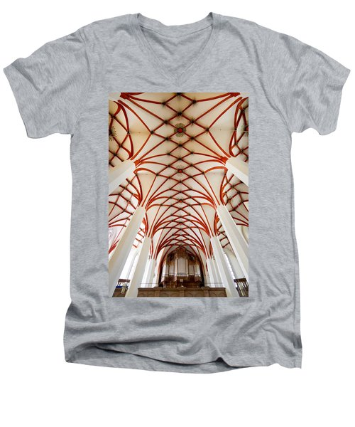 St Thomas Leipzig Men's V-Neck T-Shirt