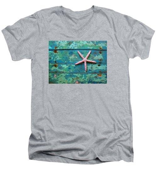Seashore Peeling Paint - Starfish And Turquoise Men's V-Neck T-Shirt