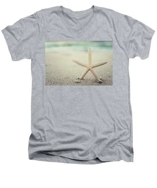 Starfish On Beach Vintage Seaside New Jersey  Men's V-Neck T-Shirt