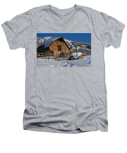 Steamboat Barn Men's V-Neck T-Shirt