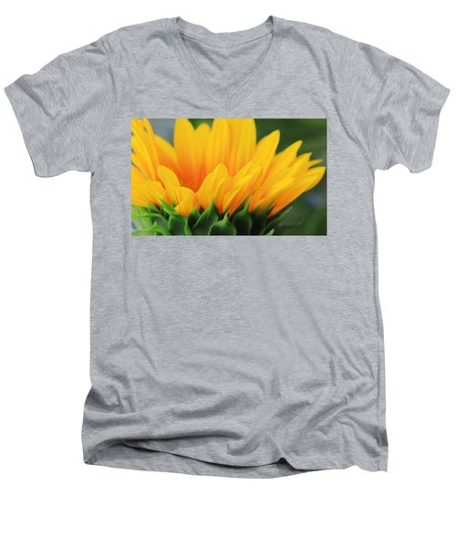 Sunflower Profile Men's V-Neck T-Shirt