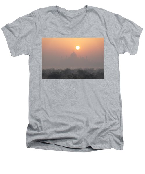 Sunrise Over The Taj Men's V-Neck T-Shirt
