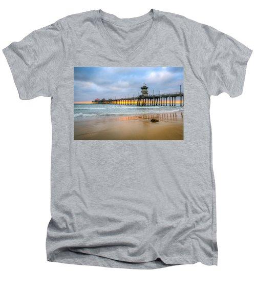 Sunset Drifting Under The Pier Men's V-Neck T-Shirt