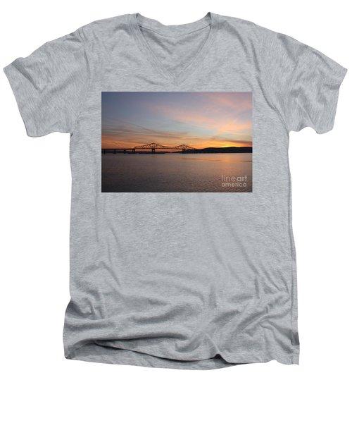 Sunset Over The Tappan Zee Bridge Men's V-Neck T-Shirt