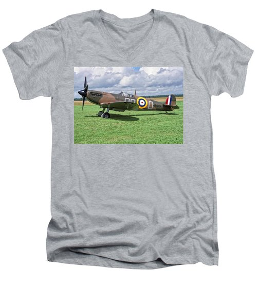 Supermarine Spitifire 1a Men's V-Neck T-Shirt by Paul Gulliver