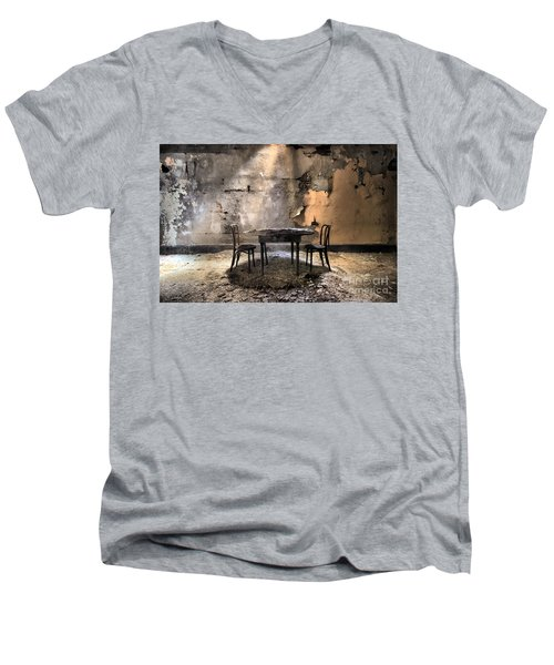 Table 4 Two Men's V-Neck T-Shirt