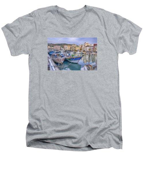 Taiwan Boats Men's V-Neck T-Shirt