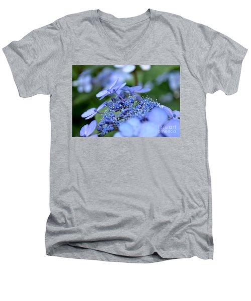 Taube Lacecap Hydrangea Men's V-Neck T-Shirt