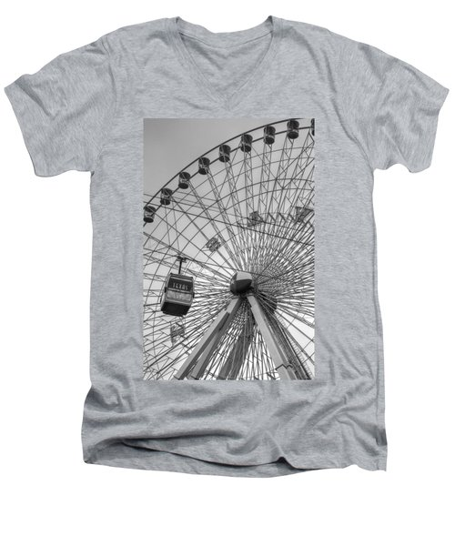Texas Star Ferris Wheel Men's V-Neck T-Shirt